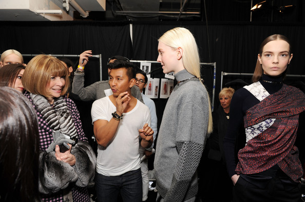 Gurung backstage with Anna Wintour and models during NYFW 2014 (Credit: Craig Barritt)