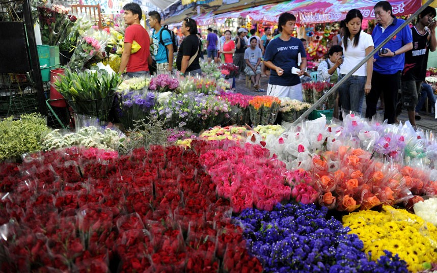 Valentine's Day flowers at a wholesale market in Manila (Credit: Jay Directo)